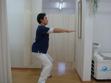 ヘルニア、坐骨神経痛の改善体操
