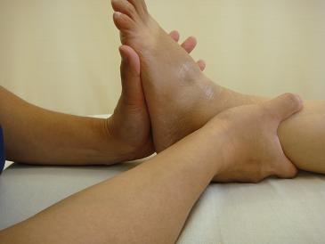 シーバー病の痛みを足関節を整復して治す